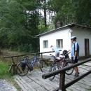 Přijíždíme k Weisshuhnovu vodnímu kanálu