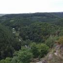 Výhled z hradu Levnova do údolí Oslavy