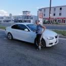 Nejlepší auto, kterým jsme jeli. Moderní BMW, na tachometru mělo jako maximální rychlost 280 km/hod!!!