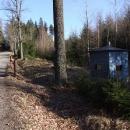 Strážní budka cestou po brdských lesích