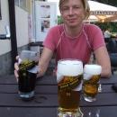 Při prohlížení fotek jsem se lekl, že jsme si dali ve dvou tři piva, ale to tmavé byla kofola