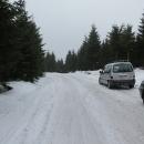 O pár kilometrů dál a pár set metrů výš - na Mezivrší (pod Komáří vrch) jsme autem málem nevyjeli. A Luděk pak cestou zpět zapadl, když se vyhýbal někomu, kdo jel nahoru.