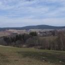 Sedlo nad Čenkovicemi. Vlevo pohled na Suchý vrch...