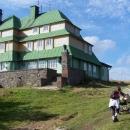 Masarykovu chatu na Šerlichu nemůžeme jen tak minout :-)
