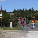 Slunečné počasí vytáhlo k Výrovce davy turistů