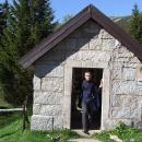 Kaplička v Obřím dole s expozicí půdního sesuvu