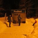 V Podlesí už dnes nestojí nádražní budova, pouze tato budka.