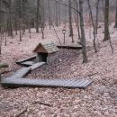 Pramen u pomníku lesníka Lenharta
