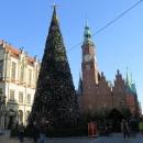 Ratusz Wroclawski je jedna z nejhezčích radnic v Polsku. Zde je focena z odvrácené strany, o čtyři snímky dříve byla vidět i zepředu.