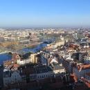Vyhlídka na město je úžasná. Wroclawí protéká řeka Odra, která tvoří ostrůvky a kanály.