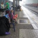 Do Tater jedeme vlakem. Už na nádraží v Zábřehu jako by nás počasí chtělo upozornit, co nás v následujícím týdnu čeká.
