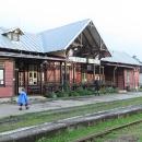 Do Tatranské Lomnice na nádraží dorážíme zmoklí až v podvečer - domů jedeme předposledním vlakem.