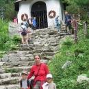 Jednak je to úžasné místo ukryté v horách, jednak by si člověk měl uvědomit, že i Tatry mohou být hodně nebezpečné. Neskutečné, kolik úmrtí tam bylo právě v červenci nebo srpnu.