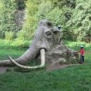 U mamuta. Všichni už ty sochy viděli, tak jsme museli taky :-)
