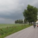 Začíná bouřka - a my jedeme přímo do ní :-)