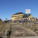 Slezský dóm je obklopen turisty