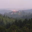 Třebel - na místě hradu stojí dlouhá stodola