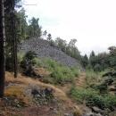 A to už objíždíme lomy, toto je skála na vrcholu Žulového vrchu, 718 m.