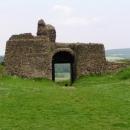 Z hradu Lichnice toho opravdu mnoho nezbylo