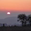 Sluníčko za hory zachází