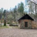 Rohelská bouda na stejnojmenném rozcestí a sedle